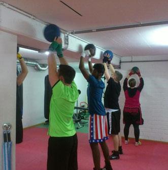 Fitnessboxen (Fortgeschrittene/Mittwoch) Feb. 2016 @ M's-Gym Bern Ittigen