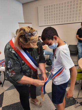 Nathalie Nury en compagnie d'Amine, nouveau Maire du CMJ