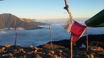 Mardi Himal Yoga Trek in Nepal, Ausblick ins Tal; Yoga Urlaub in Nepal, Yoga Trekking in Nepal