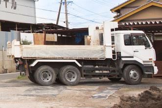 トラックの配達の写真