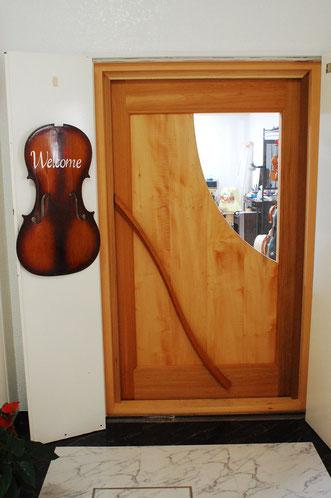 玄関ドア木製・楽器工房に高気密防音ドアを施工しました、福岡県博多