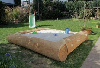 Massiver-Sandkasten-Sandkästen-Baumstamm-Robinie-Spielgeräte