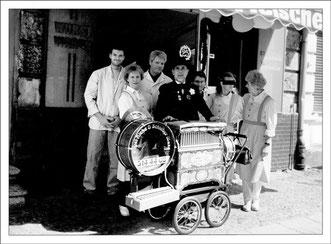 1995 - Jubiläumsfeier zum 25jährigen Bestehen der Fleischerei Kurt Grönke im Kietz am Prenzlauer Berg