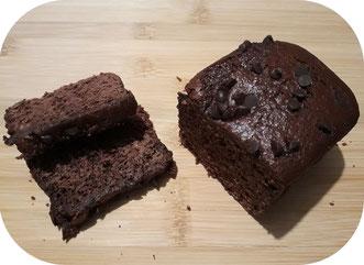 Pain d'épices au chocolat de 375 grammes de l'Abeille villadéenne avec farine de seigle bio et locale, miel de tournesol, eau, chocolat à 60% de cacao, bicarbonate et épices bio. Fabrication artisanale avec miel de la production