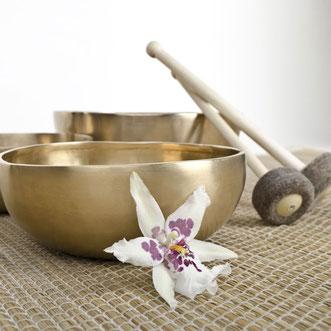 Raum Clearing,Raum Reinigung,Schallwellen,Salz,Räucherung,Essenzen