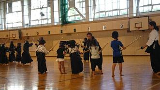 基本組の剣道稽古