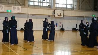 中学生の剣道稽古