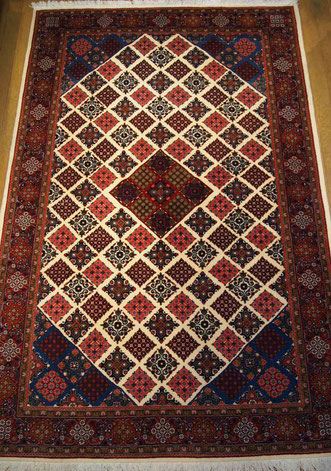 HAMEDANドザールサイズ レアなOLD個性的な絨毯です。