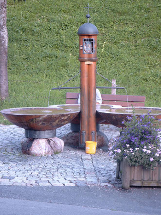 Der Brunnen in Hinterthal