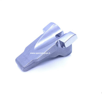 Blocchetto oscilante lucidato a specchio per una maggiore scorrevolezza durante la fase ciclica a fuoco dell'arma.