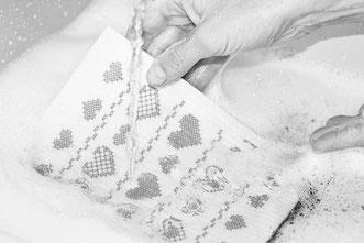 spülen mit dem abwaschTUCH Schwammtuch Mitbringsel Geschenk