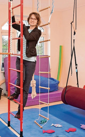 Für motorische Übungen hält Simone Bening auch Sportgeräte bereit.