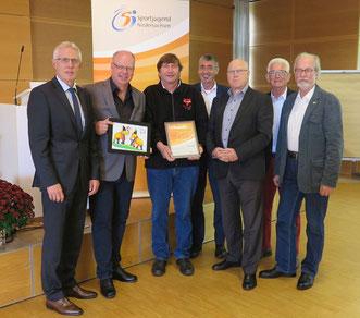 Reinhard Rawe (von links), Thomas Dyszack, Manfred Wille, Norbert Engelhardt, Wolf-Rüdiger Umbach, Klaus Witte und Gerd Bücker