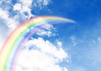 9、青空に伸びる虹
