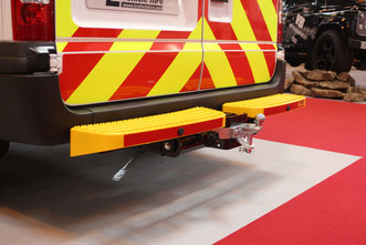 ford transit twin tread tow step safety rear access coomercial emergency services