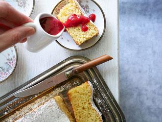 Mandel-Zitronen-Kuchen mit Beerenmus