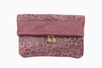 B FLO Animalprint leather clutch bordeaux