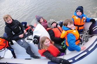 Jungfernfahrt auf dem Köhlfleet- Bild anklicken für weitere Fotos