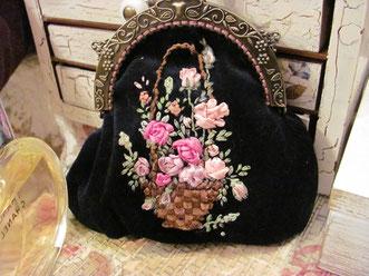вышивка лентами на сумке ручной работы старинная сумка купить