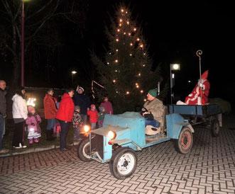 Der Nikolaus trifft in Klinze City ein.
