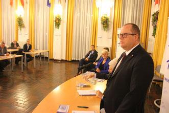 Staatssekretär DDr. Hubert Fuchs lobte die gute Zusammenarbeit mit der AUF/AFH