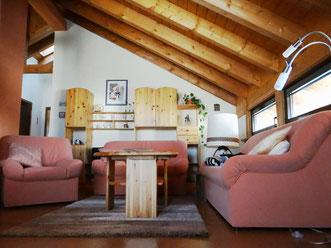 Wohnzimmer unterm Dach
