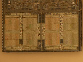 Abb. 9: Der selbe Die mit intakten MOSFET-Brücken