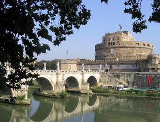 Замок св. Ангела в Риме фото