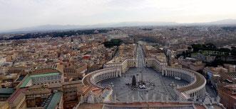 Вид на Рим с купола собора св. Петра,фото