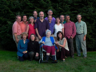 Le new england osteopathic Study Group rassemblé autour du Dr Anne Wales DO