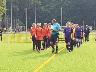Zoé führt das Team erstmals als Kapitänin auf's Feld
