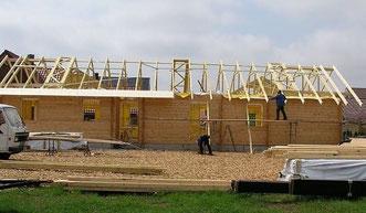 Blockhäuser - Blockhaus bauen - Blockhausbau - Wohnblockhaus - Blockbohlenhaus - Bauplanung - Handwerk - Blockhausbauer