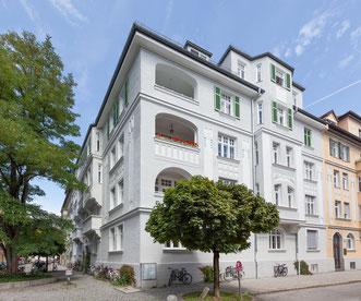 Eine von vielen ausgezeichneten Fassaden 2017; hier zum Beispiel eine in der Johann-von-Werth-Straße 5 in Neuhausen - Nymphenburg (Foto: maurer und sigl GmbH / Landeshaupt-stadt München)
