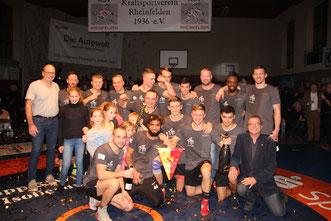 Unser Meister-Team mit dem stolzen Oberbürgermeister Klaus Eberhardt (vorne rechts)