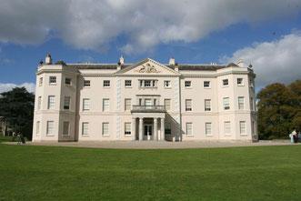 das blendendweiße Herrenhaus von Saltram