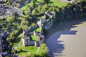 Luftbildaufnahme des Chepstow Castles © Crown copyright (2019) Cymru Wales auf der Golfreise durch Wales
