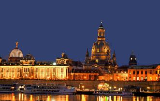 Dresden stimmungsvoll beleuchtet mit Frauenkirche