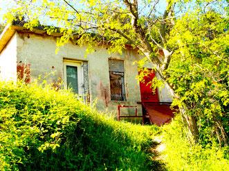 die Häuser, unrenoviert und trotzdem eigenartig schön