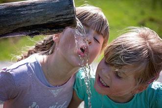 Trinkwasser trinken Kinder