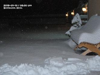 Schneemassen im Eingangsbereich