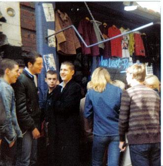 De winkel The Last Resort in Goulston Street oost Londen. Het was er altijd druk op de zaterdag en zondag