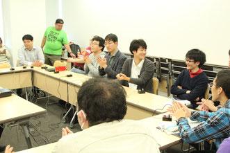浦和高校OBチーム。かつて高校生クイズで活躍したレジェンドたちも、懐かしみながらクイズに挑みます。