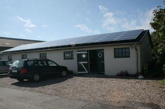 Photovoltaik-Anlage auf dem Rad- und Spielhaus