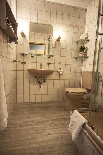 Badezimmer im DZ Gröde