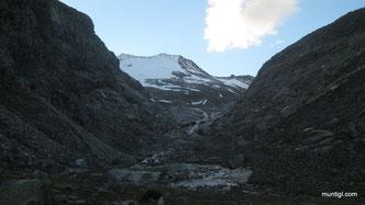 kurz vor dem Gletscher See (Türkische Zeltstadt)