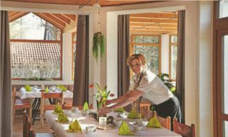 Gastraum und Hofladen von Susanne Pingold