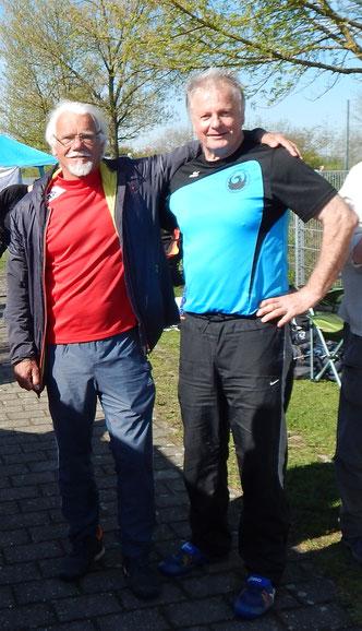 Siegfried Greiner (links) und Gerhard Zachrau - Diskuswerfer unter sich.