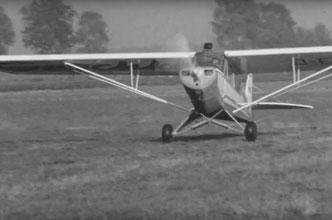 Frame aus Super 8 Film Sportflugzeug