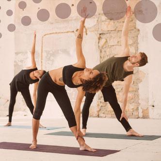 Yoga au travail - cours de yoga en entreprise