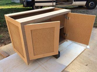 Réalisation d'un meuble sdb en MDF prêt à peindre